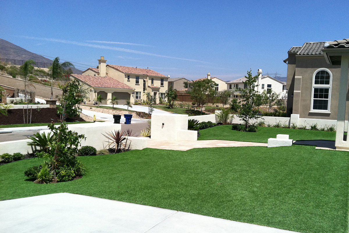 Artificial turf for landscape